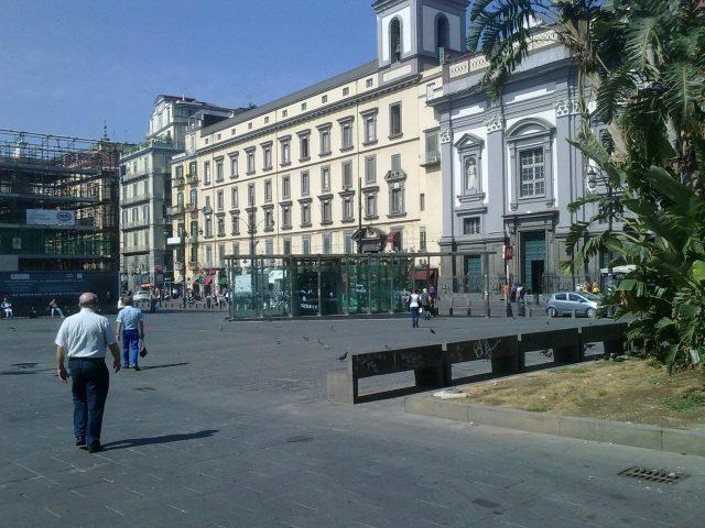 Piazza Dante a Napoli nel 2011