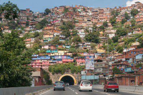 vista di un barrio a Caracas