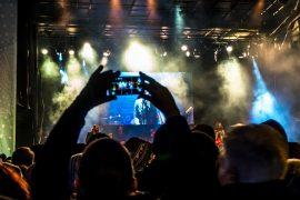 riprese con uno smartphone ad un concerto
