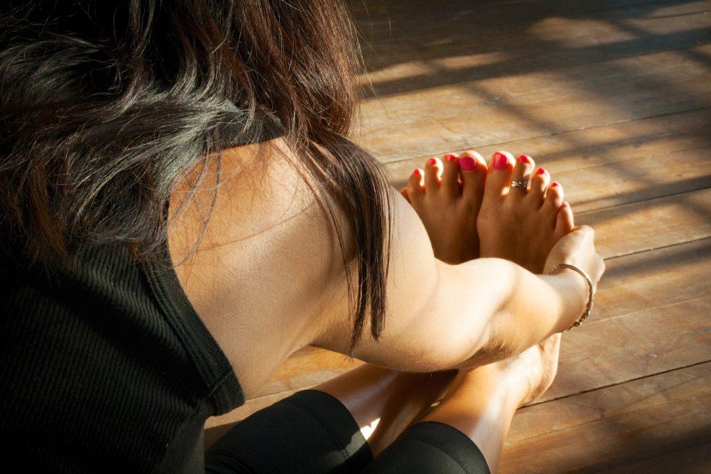 Yoga.Tecniche paschimottanasa ovvero pinza da seduti ...