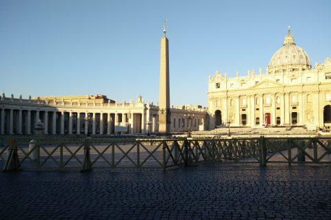 Piazza San Pietro e la Basilica