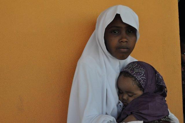 Somalia. Donna con bambino foto Federica Iezzi