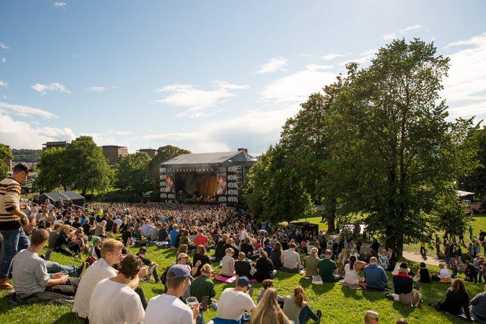 una panoraminca di un concerto al Øyafestivalen 2016 foto Steffen Rikenberg