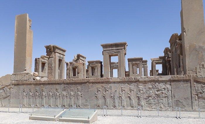 Le rovine della città imperiale di Persepoli in Iran