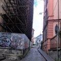 Napoli edificio puntellato dopo il terremoto
