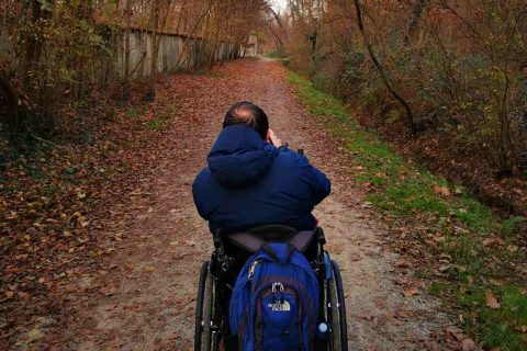 disabilità carrozzina fotografia