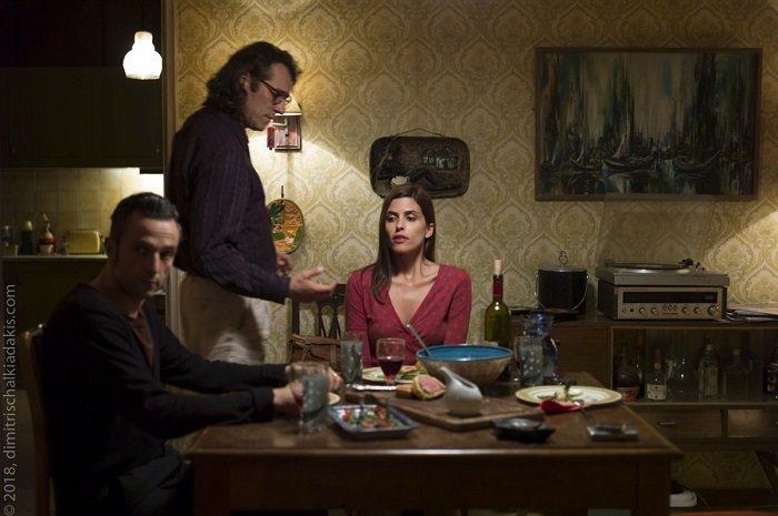 the waiter Aris Servetalis Yannis Stankoglou e Chiara Gensini